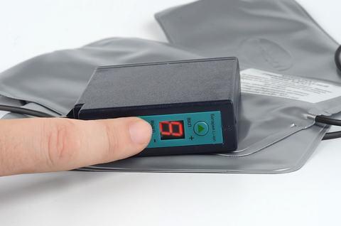 В аккумуляторе предусмотрена защита от перезаряда и полной разрядки, что предохраняет аккумулятор от повреждения и продлевает срок его службы.