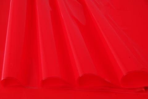 Пленка цветная лак 70 см х 10 м. Цвет: красный