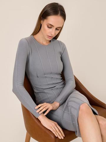 Женское платье серого цвета из шерсти - фото 5