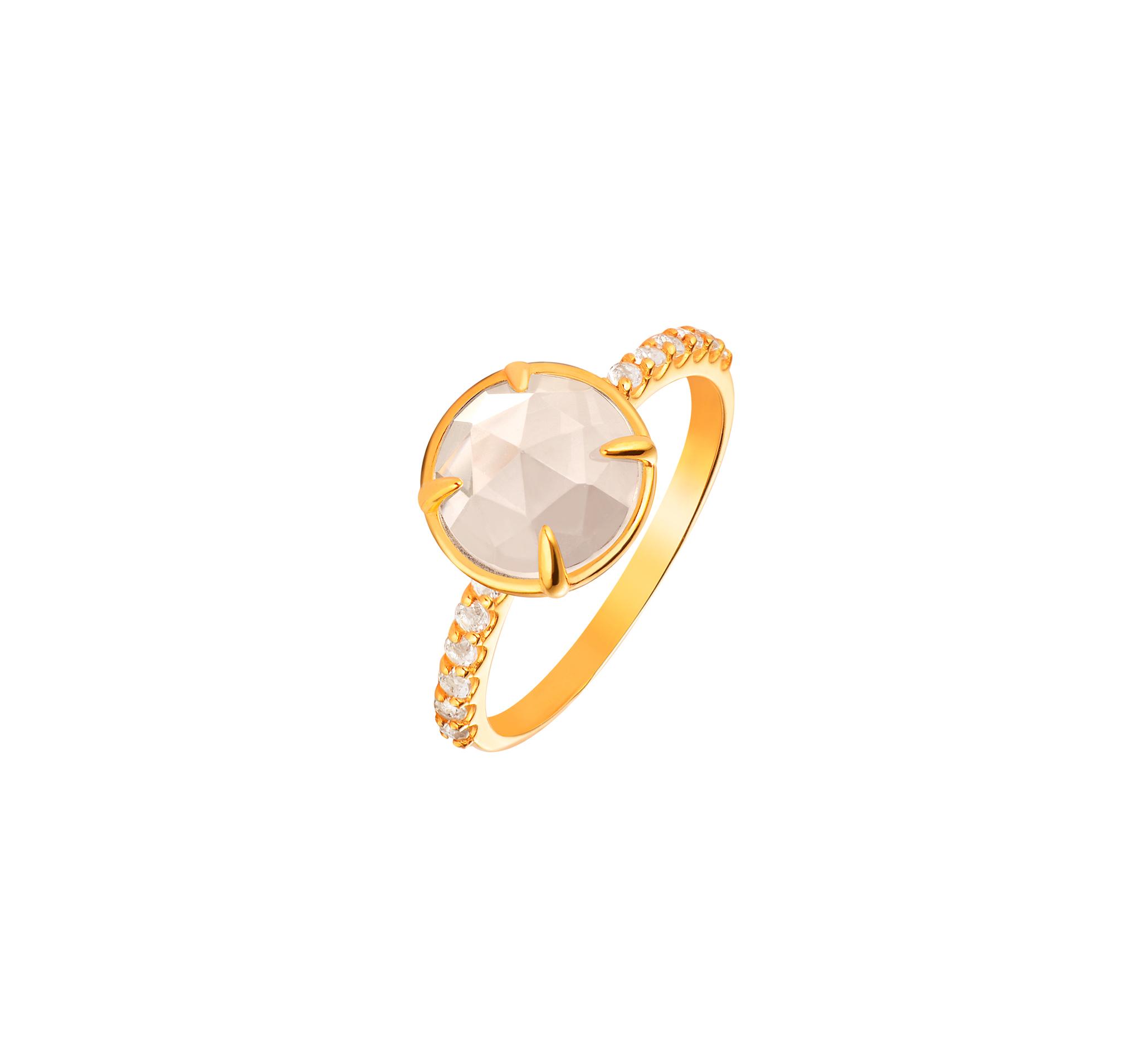 Кольцо с белыми топазами в позолоте