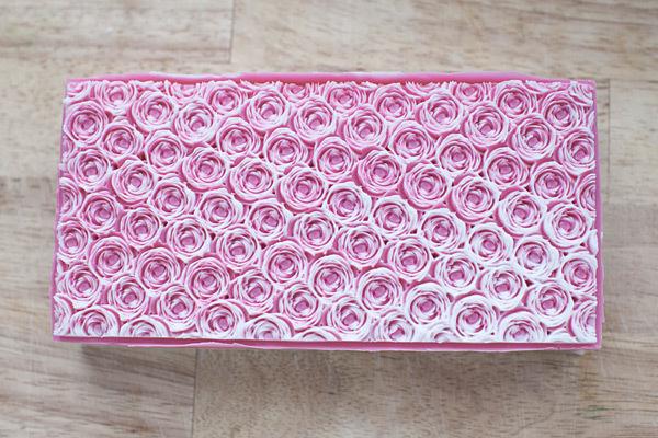 Готовый блок мыла Розы