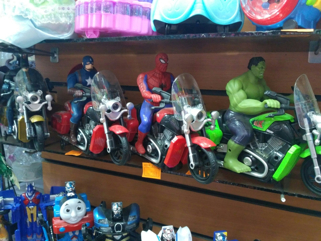 Набор супергероев на мотоциклах: Бэтмен, Капитан Америка, Человек Паук, Халк