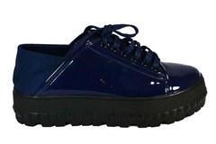 Синие лаковые ботинки с мягким задником на массивной подошве