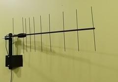 Антенна КН-4535 SOTA/antenna.ru для сети Skylink, рабочая частота 450 Mhz. Удобная антенна с креплением к стене дома.