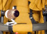 вариант крепления видеоняни Ramili Baby RV 1200 на коляску