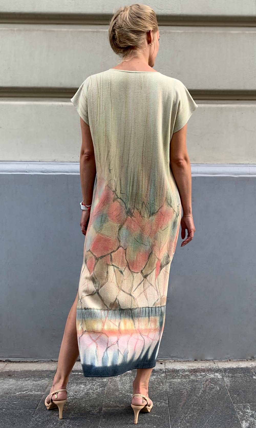 Платье из натурального шелка