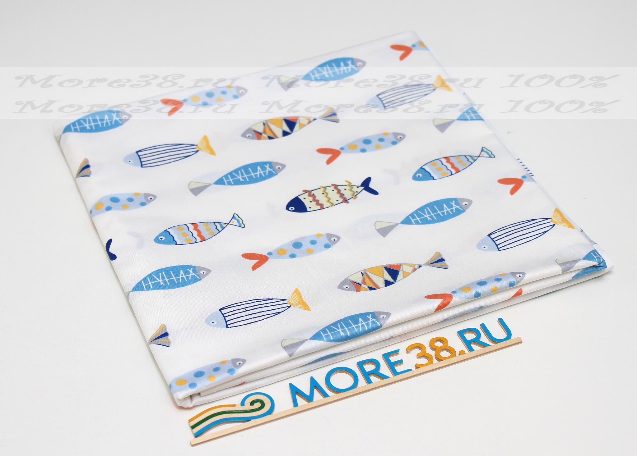 Рыбки на белом фоне