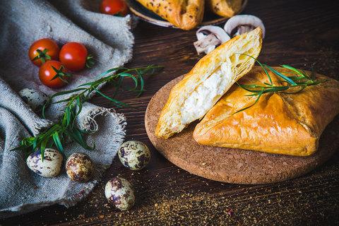 Хачапури с сыром 100гр. (вл.50)