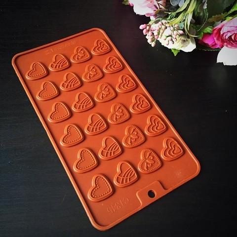 Силиконовая форма для шоколада  Мини ПЛОСКИЕ Сердечки 24в1 (коричневый силикон) (25х25мм)
