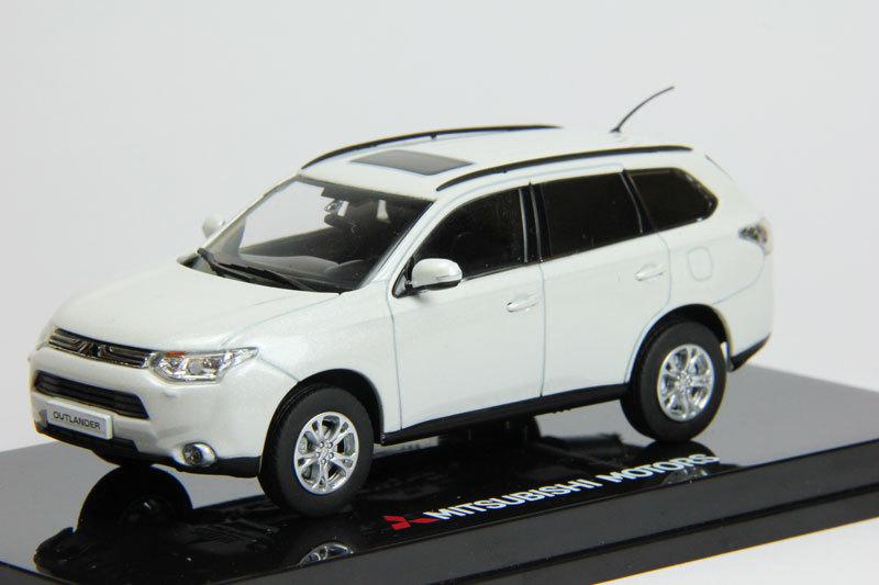 Коллекционная модель Mitsubishi Outlander 2012