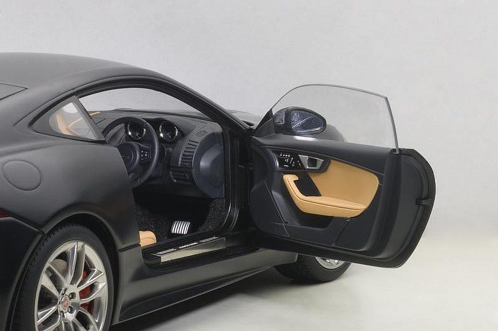 Коллекционная модель Jaguar F-Type R Coupe Matt Black 2015