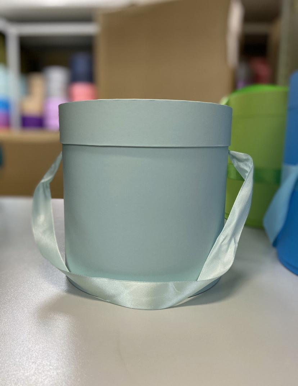 Шляпная коробка эконом вариант 16 см . Цвет: Светло изумрудный. Розница 300 рублей .