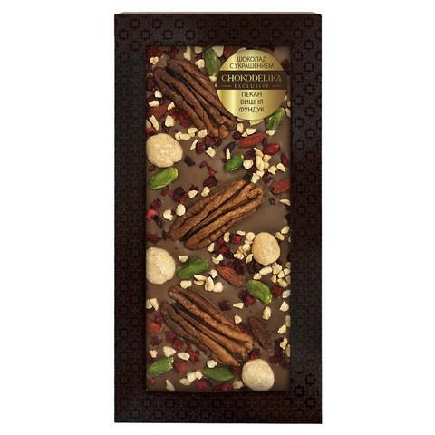 Шоколад молочный с украшением пекан, вишня, фундук