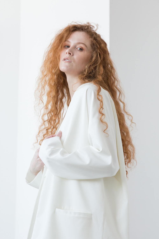 Жакет-планка со спущенным плечом