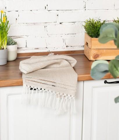 Праздничное льняное полотенце с вышивкой и кистями