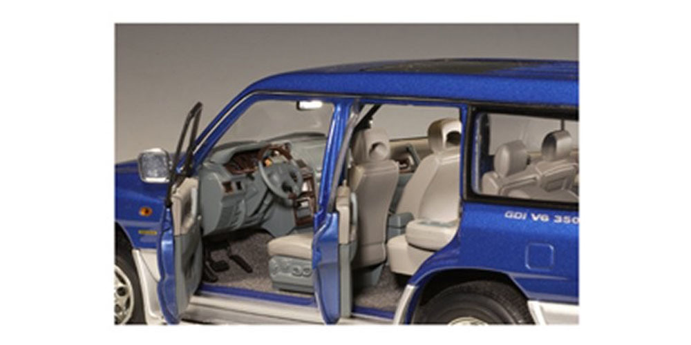 Коллекционная модель Mitsubishi Pajero LWB 1998 Blue