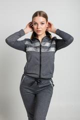 Спортивный костюм с серыми вставками купить