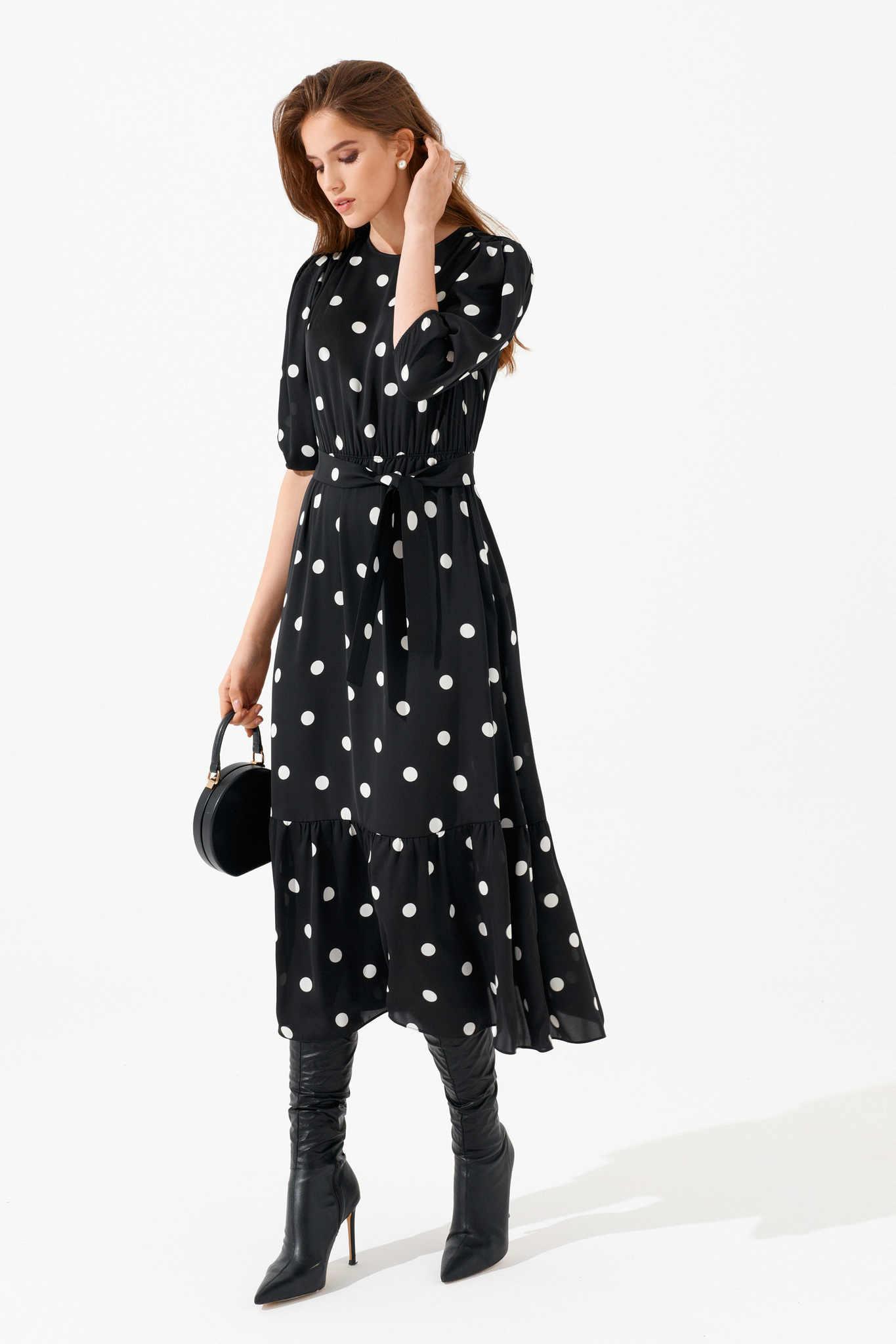 Платье с воланом по низу