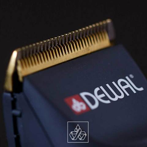 Машинка для стрижки Dewal Ultra, аккум/сетевая, 4 насадки, черная