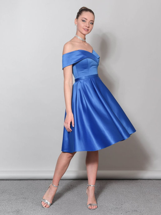 Вечернее платье А-силуэта из атласа со спущенными плечами миди (синий)