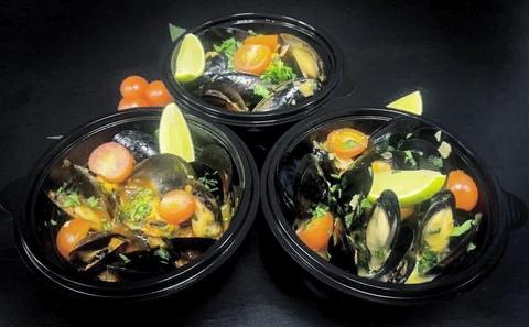 Мидии в винно-сливочном соусе