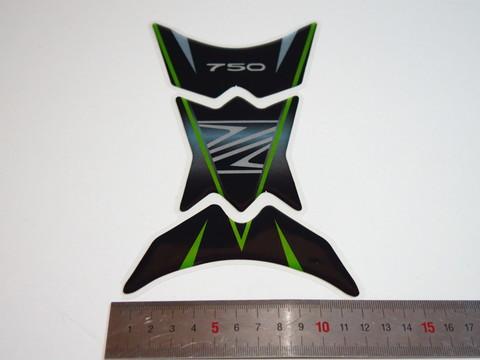 Наклейка защитная на бак Kawasaki 750