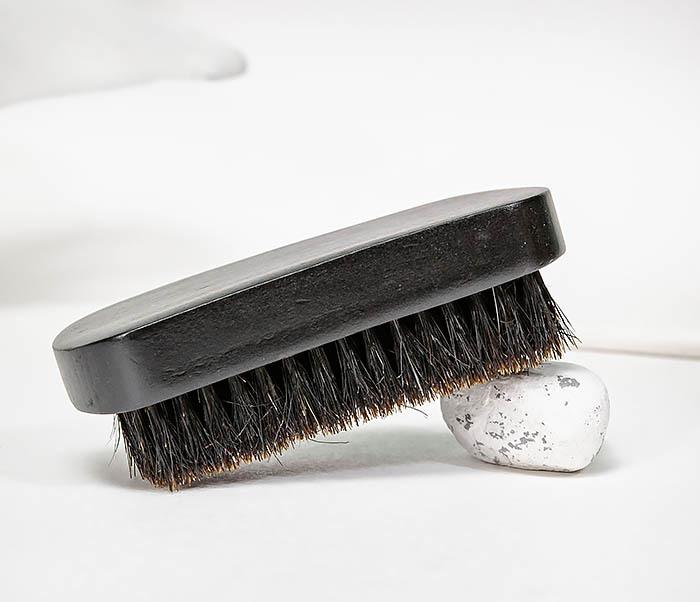 CARE148 Щетка для бороды из дерева черного цвета фото 04