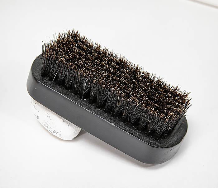CARE148 Щетка для бороды из дерева черного цвета фото 05