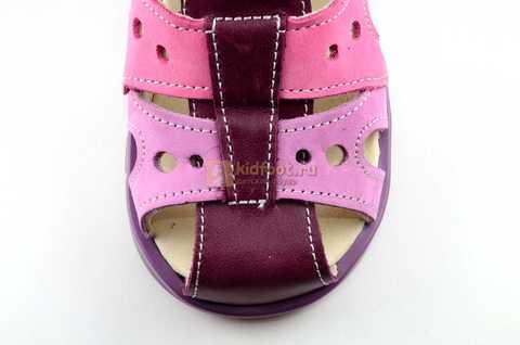 Босоножки Тотто из натуральной кожи с закрытым носом для девочек, цвет Сирень / Фиолетовый, M053B. Изображение 10 из 12.