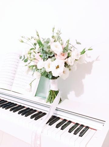 Заказать Онлайн Букет Невесты в Тбилиси Грузия