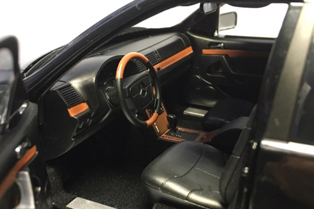 Коллекционная модель MERCEDES-BENZ W140 S-CLASS S600 V140 1990 BLACK