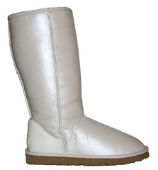/collection/classic-tall/product/ugg-classic-tall-metallic-white