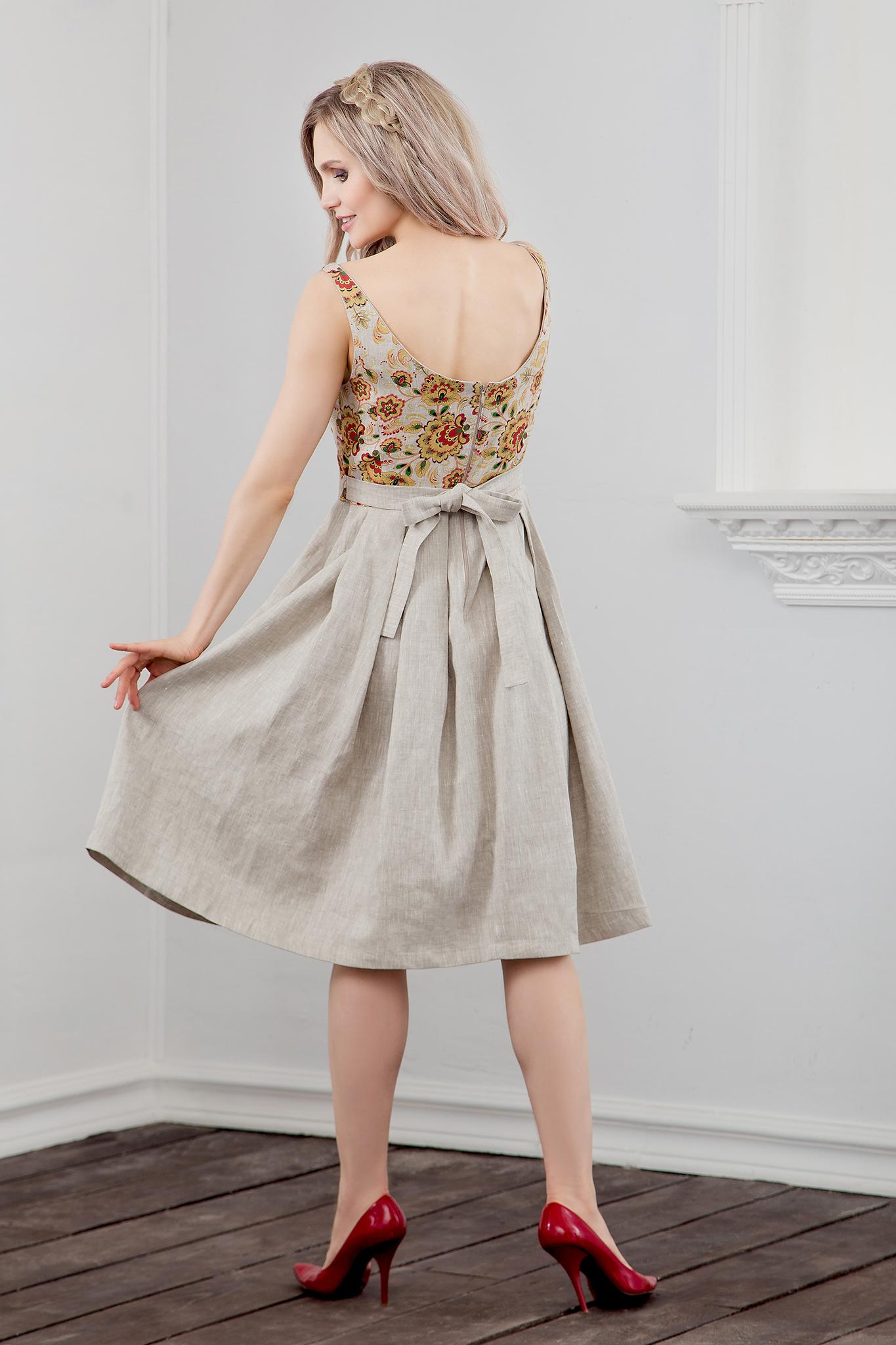 Платье Иванка c хохломой вид сзади