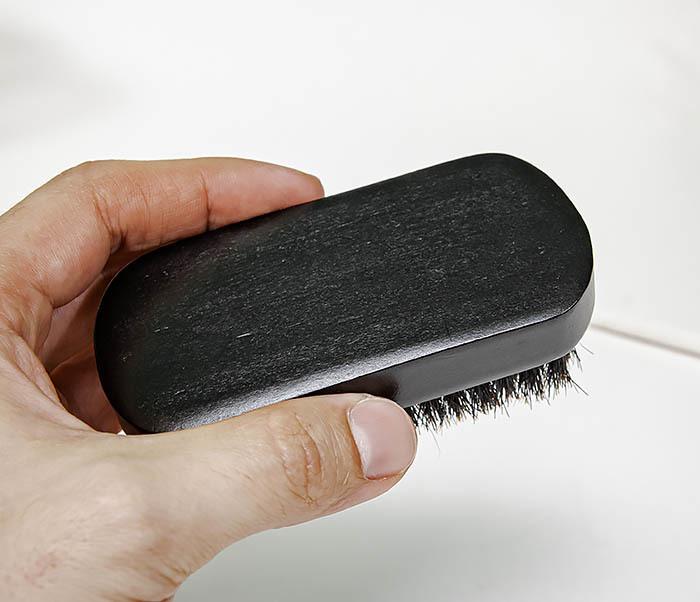 CARE148 Щетка для бороды из дерева черного цвета фото 08