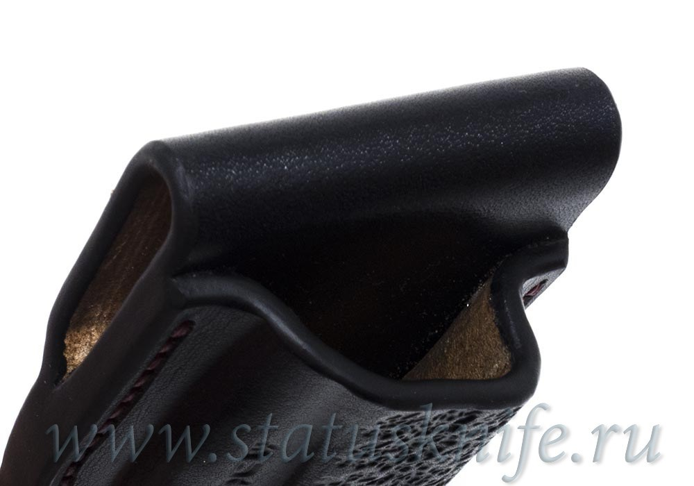 Чехол кожаный черный Black 2 Buck 110 - фотография