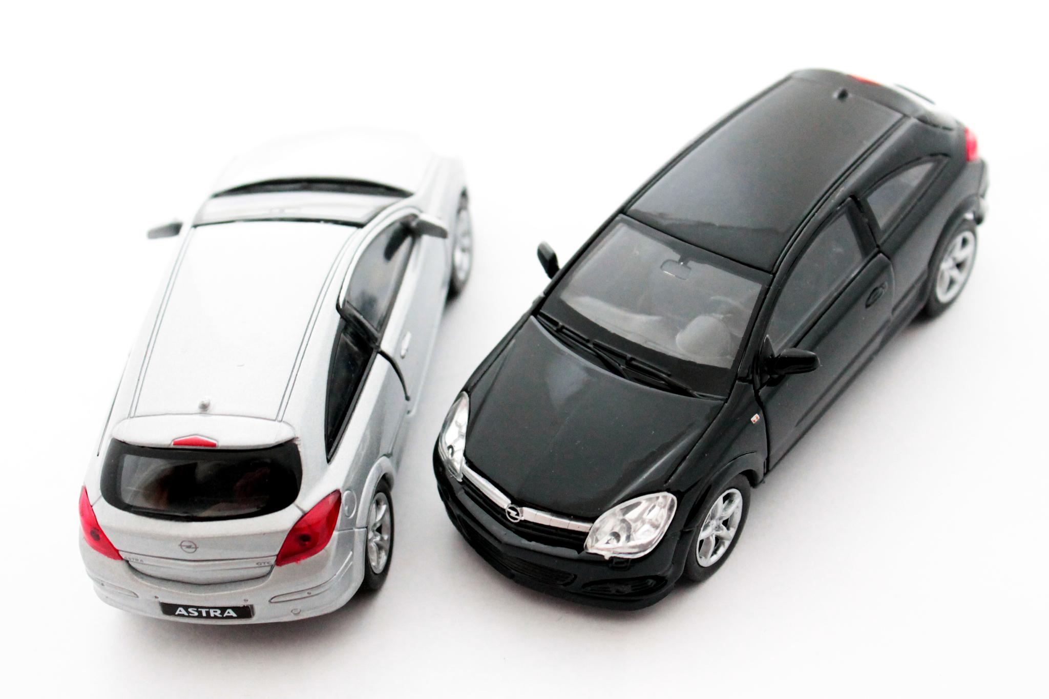 Машинка-игрушка Opel Astra GTC