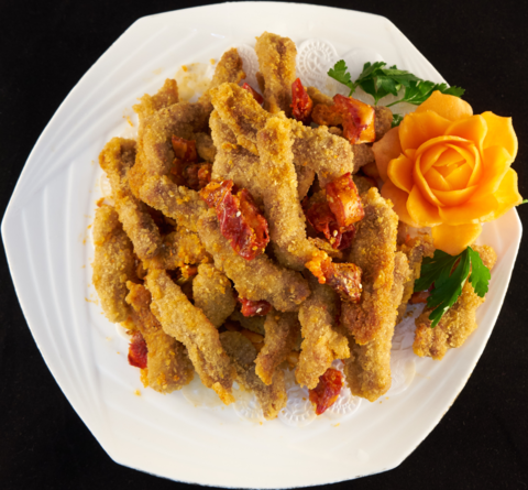 Кусочки говядины в хрустящей корочке 香酥牛柳