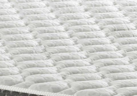 Чехол изготавливается из натуральной ткани Viscose. Это невероятно мягкий, шелковистый и проницаемый материал, обладающий способностью хорошо рассеивать пот и обеспечивающий идеальную вентиляцию матраса.