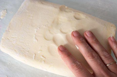 Тесто без глютена и дрожжей с добавками - кукурузная мука, рисовая мука, льняная мука и другими добавками-наполнителями