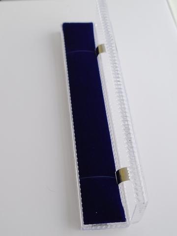 Пластик (футляр  для браслета)