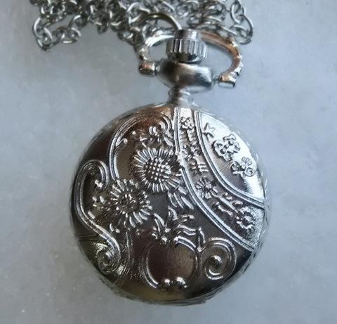 Часы на цепочке (цвет - платина) 36х27 мм