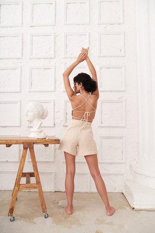 Короткие шорты из муслина цвета беж