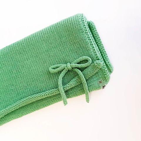 Плед вязаный зеленый 80*80