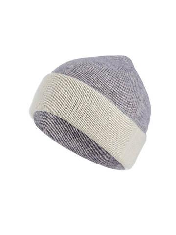 Женская шапка светло-серого цвета - фото 1