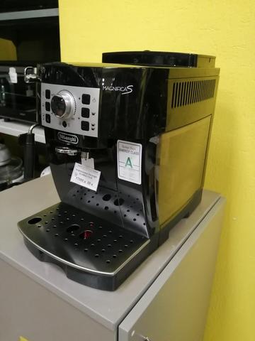 Кофемашина DeLonghi ECAM22.110.B