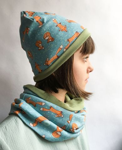 Детская шапочка с принтом Лисички