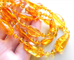 бусы из жёлтого янтаря с лузгой
