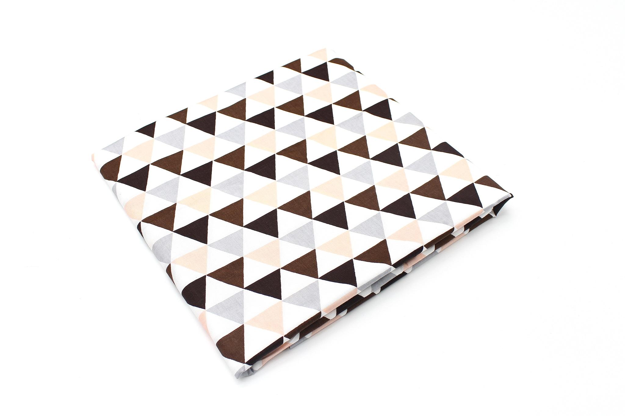 Треугольники персико-коричневые