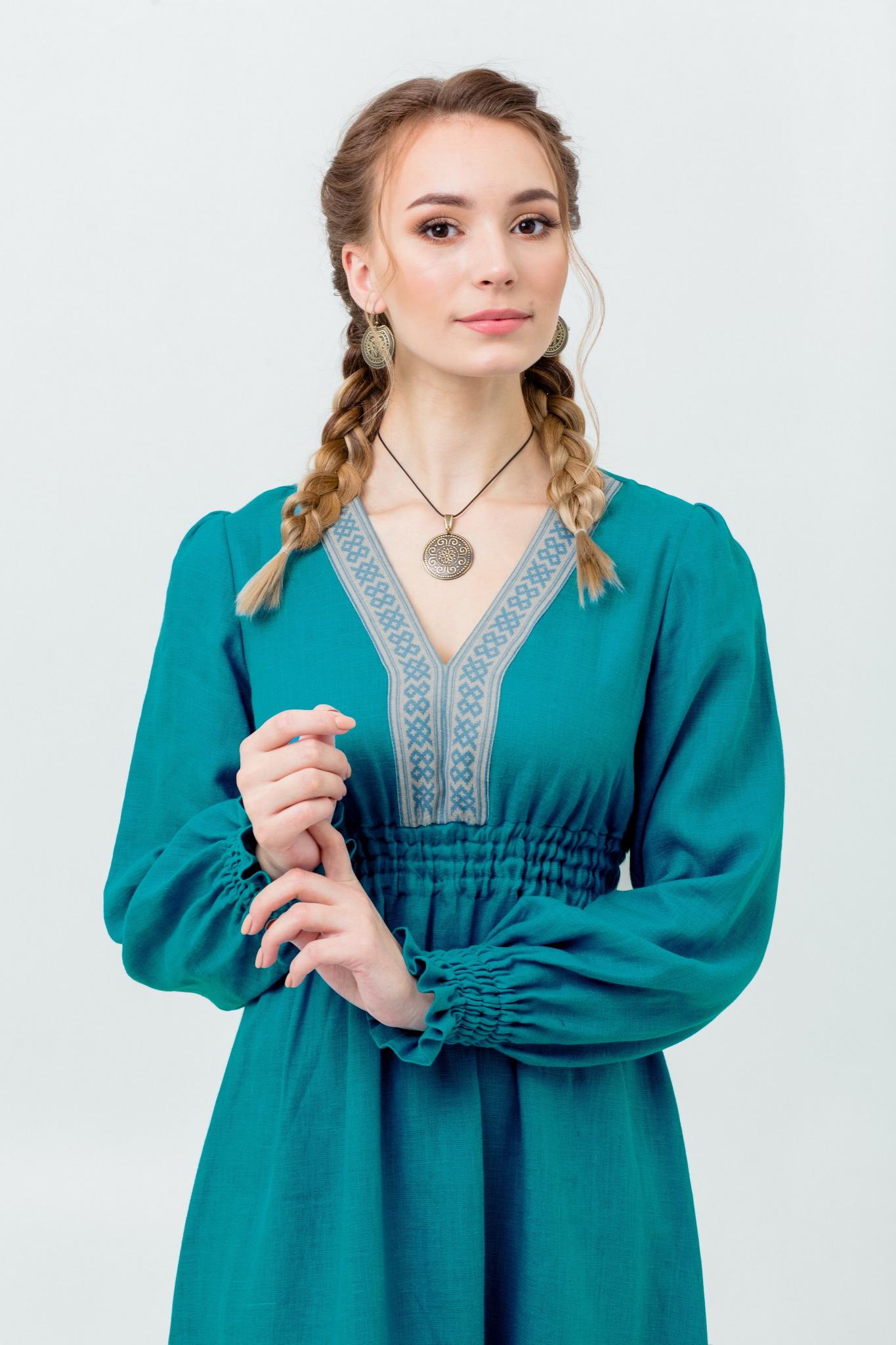 Торжественное платье в русском стиле Лунный свет
