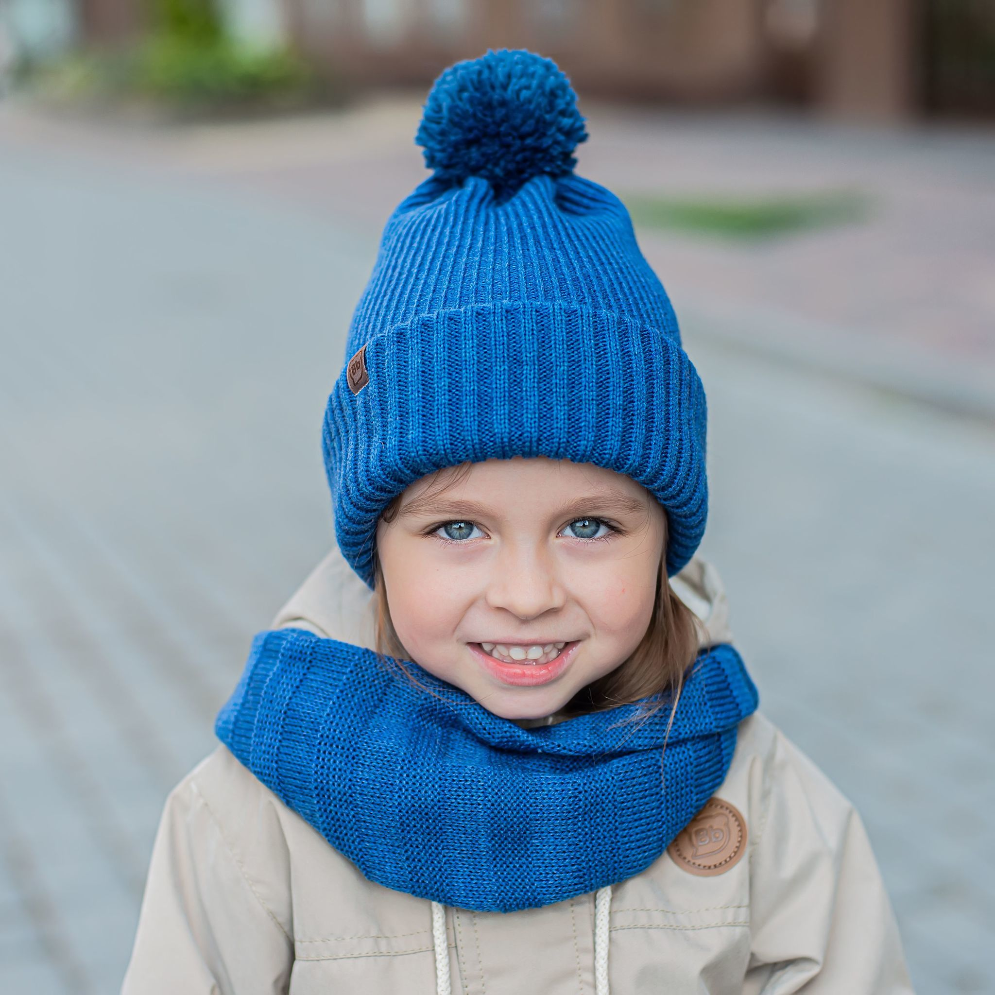 Double cuffed hat with pompon - Arctic